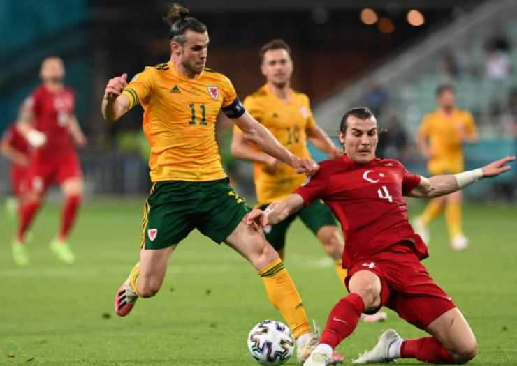 Gareth Bale vs Turki